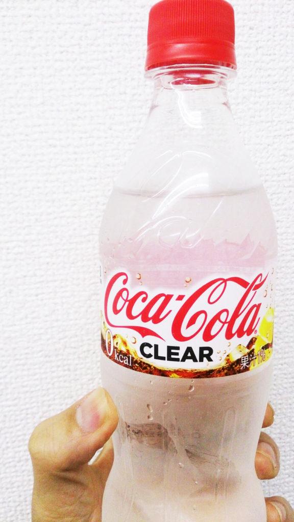 コカコーラクリアのラベルも水のように透明なことから透明部分を使った表現を使う